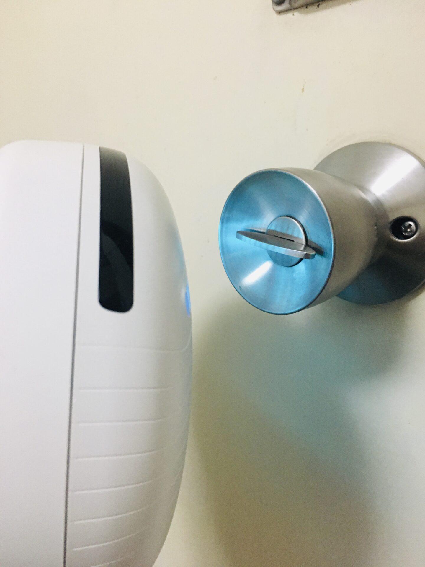 ドアノブを除菌するROCKUBOT(ロックボット )